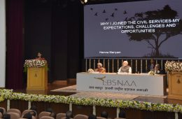 """Officer Trainee Hamna Mariyam presenting her essay on """"Why I joined the Civil Services"""" before the Prime Minister, Shri Narendra Modi, at the Lal Bahadur Shastri National Academy of Administration (LBSNAA), in Mussoorie, Uttarakhand on October 27, 2017."""